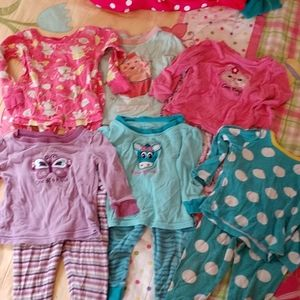 6 pairs of girls pajamas size 12 months